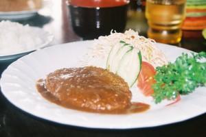 宮古島レストラン喫茶トニオのハンバーグ定食